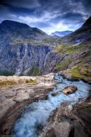 Dropping off Stigfossen by insigma00