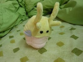 Shiny goomy plush by Tawny0wl