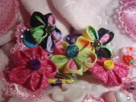 Tiny Flower Clips by TolekaChan