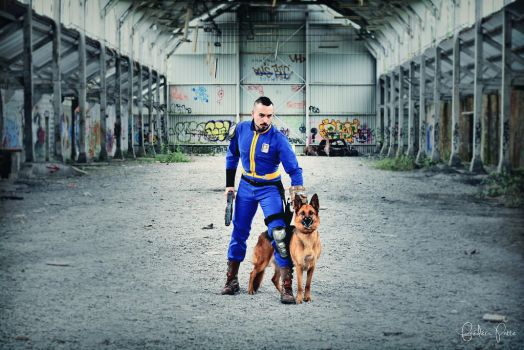 Fallout 4 cosplay with Dogsmeat by James--C