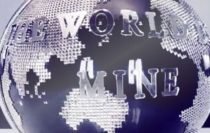 2ne1 Chair The World Is Mine by mzxy