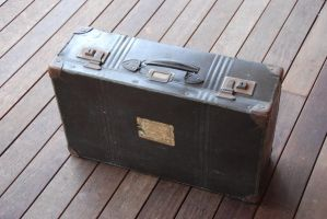 Old Suitcase - STOCK by patchoulipatch