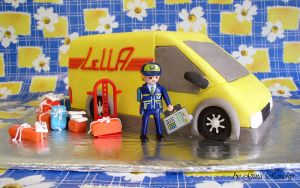 Playmobile Van Cake by ginas-cakes