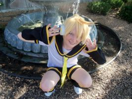 Len Kagamine by black-feather1013