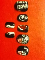 Green Day Nailart by Yitty