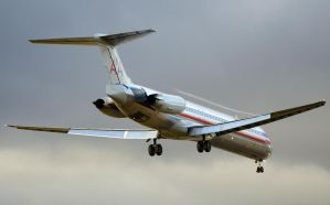 American Airlines MD-83 by shelbs2