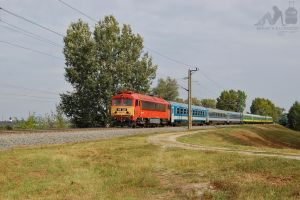 418 320 with Intercity train near Gyor in 2012 by morpheus880223