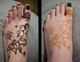 Henna'd my foot by BloodStainedSilk