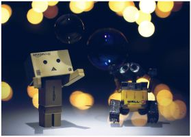 Danbo and Wall-E by frestro79
