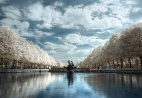 Fountain to the skies IR HDR by SteRawlinson