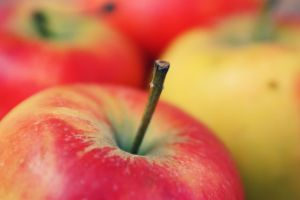 Apples by crian