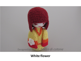 White flower by cottonflake