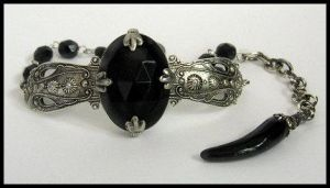 Seance Bracelet by enchantadorn