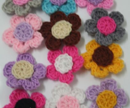 flower brooches by MummyNayli
