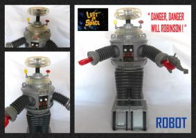 Lost In Space Talking Robot by mikedaws