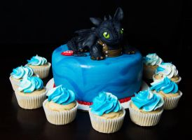 Toothless Cake and Cupcakes by KayleyMackay