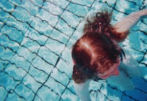 Pool. by Das-Lauralein