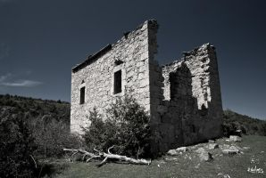Midday upon the ruin by rdalpes