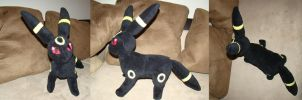 Umbreon Plush by Shadottie