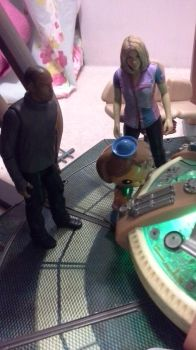 Dashi looking at the Tardis' console by NeversideFaerie