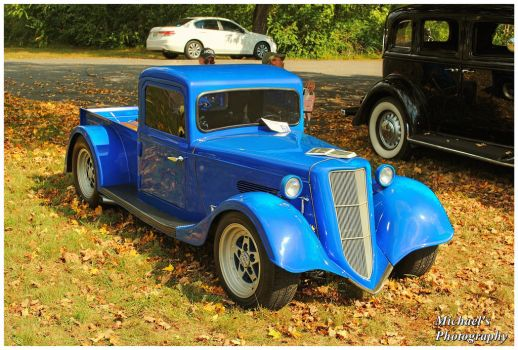 A Mini 1935 Ford Truck by TheMan268