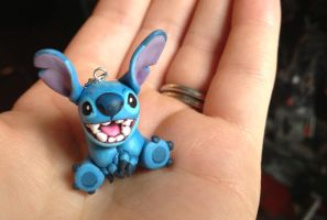 Stitch Earring by Gatobob