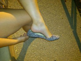 Her Feet Arche by MetaMinz