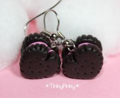 Oreo hearts cookie earrings by tinkypinky