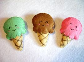 ice creams brooches by OkashiBurochi