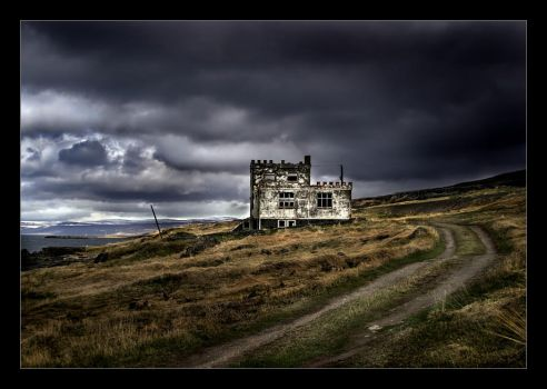 Lonely house by heida