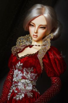La Reine Rouge portrait by AyuAna
