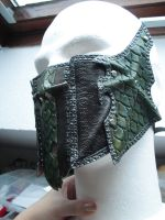 Druchii female leather armor half mask by Deakath