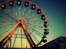 Ferris Wheel in the Sunset by Mr-Pandanon