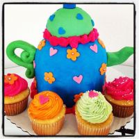 Teapot Cake by simplysweets