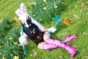 Battle Bunny Akali: Member of the Kinkou by MowkyCosplay