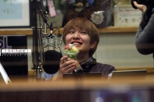 Onew: Kiss the Radio Fruitt by waterbirdART