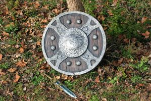 Skyrim: Iron Shield by JarmanProps