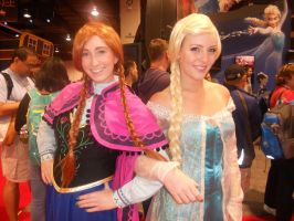 Princess Anna and Queen Elsa by ScorpioMonkey