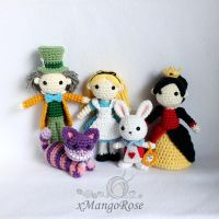 Alice in Wonderland Dolls Collection (Group Pic) by xMangoRose