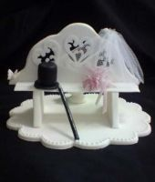 Top hat  and veil cake topper by Amandasmacarons
