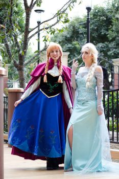 Rulers of Arendelle by Twin-Cosplay