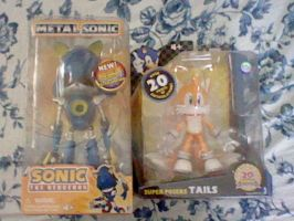 Metal and Tails Figures by spaceman022
