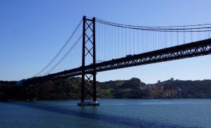 tejo bridge by Mittelfranke