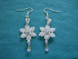 Winter Wishes Earrings V2 by MythrilAngel