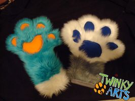 Paw Sizes by TweekoWolf