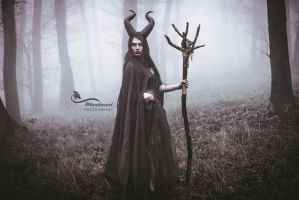Maleficent- Black Queen. by LucreciaMortishia