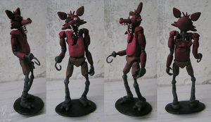 Foxy figurine by Rimmo