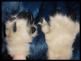 Falkon: hand paw-hooves by Sharpe19