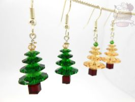 Swarovski Crystal Christmas tree earrings by ilikeshiniesfakery