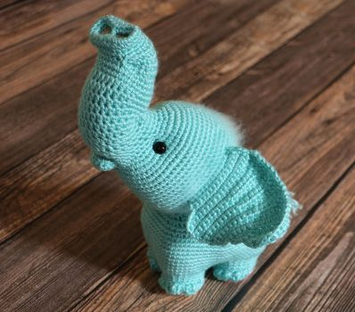 Bubbles the Baby Blue Elephant by dsgngrl